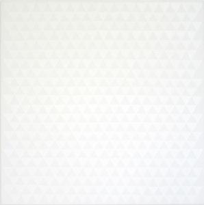 gleichschenklige Dreiecke in weißer Ölfarbe auf weiße Leinwand die Dreiecke berühren sich an ihren Spitzen